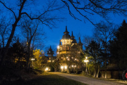 American Castle Rogues manor eureka springs arkansas twilight evening