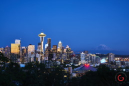Seattle Skyline Evening, Space Needle, Mt Rainer - Travel Photographer