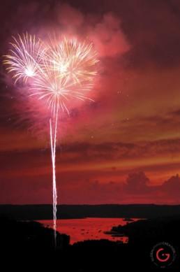Fireworks on table rock lake - Advertising photographers in Branson Missouri, Branson Missouri photography