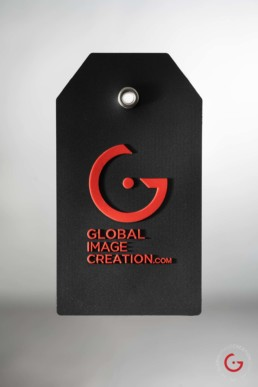 A Strong Luggage Tag for International Travel
